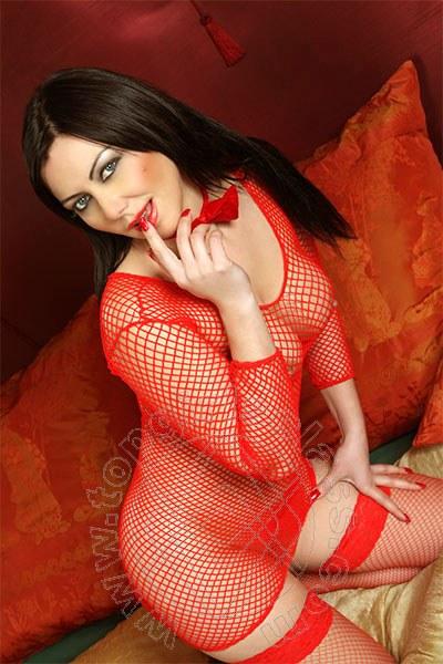 Valeria Hot  MONTESILVANO 3714477529
